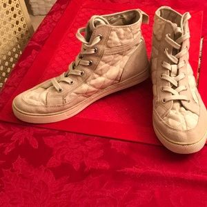 Like New Coach shoes Size 8